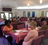 Congregation-members-and-friends-enjoyed-an-Italian-Buffet-together-after-the-Pledge-Kickoff-on-October-16-2016.