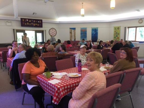 congregation-members-and-friends-enjoyed-an-italian-buffet-together-after-the-pledge-kickoff-on-october-16-2016
