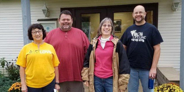 Greater Pittsburgh UU members along with First UU members completed community projects during the October 8, 2016, Help Day.