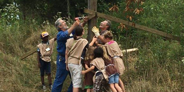With the help of Jedi Masters, Bill Heberer and James Watta, summer Religious Exploration Jedi trainees erected the First UU Bat House.
